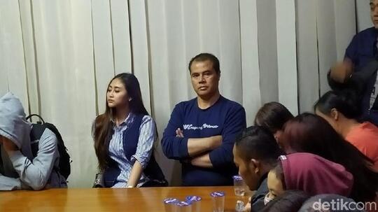 KTP Berbeda dengan Istri, Aceng Fikri Terjaring Operasi Satpol PP Bandung