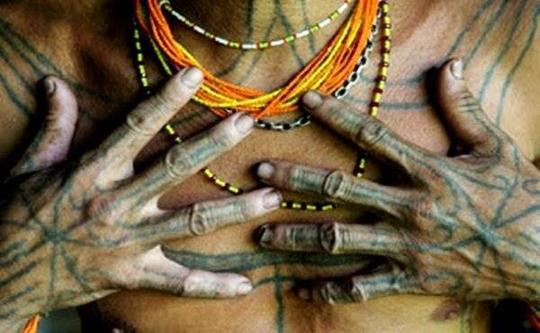 Seni tatto tertua didunia berada di Indonesia