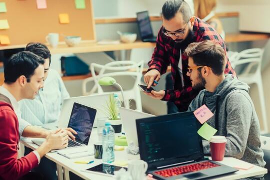 5 Tips Jadi Programmer Handal dan Sukses dari Pengalaman Para Ahli