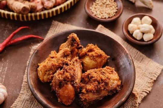 Resep Dan Cara Membuat Ayam Goreng Laos Gurihnya Sampai Ke