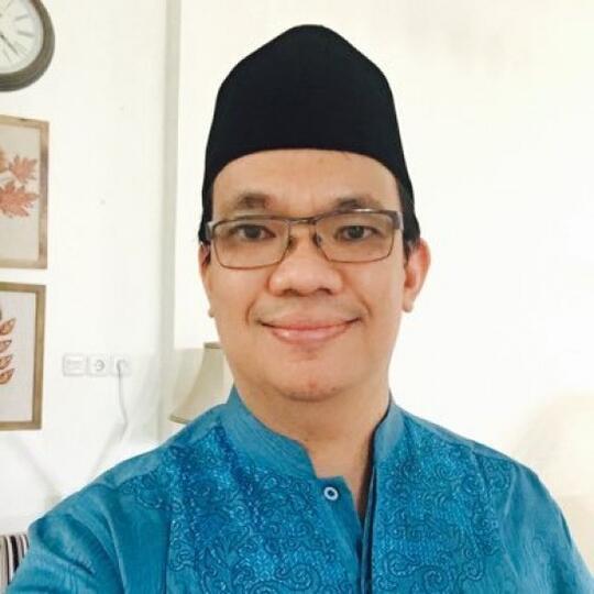 Alhinduan:Ulama dahulu Takut Melihat Salib,GusNadir Kutip Kalimat Umar bin Abdul Aziz