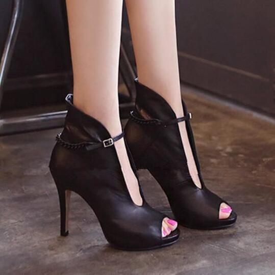 Bukan Pecinta Heels Namanya Kalau Gatau 5 Jenis Heels Ini!