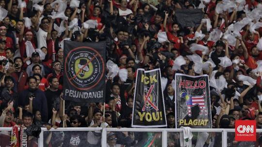 Sepakbola Indonesia Dirusak Suporter Indonesia