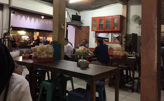Menikmati Soto Madura Haji Nandar Tebet, Murah dan Bikin Ketagihan!