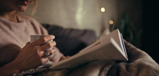 Ikuti 5 Tips ini Agar Membaca Buku Sebelum Tidur jadi Lebih Nyaman
