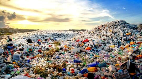 Miris! Zaman Plastik, Prediksi Peninggalan Sejarah Di Masa Depan