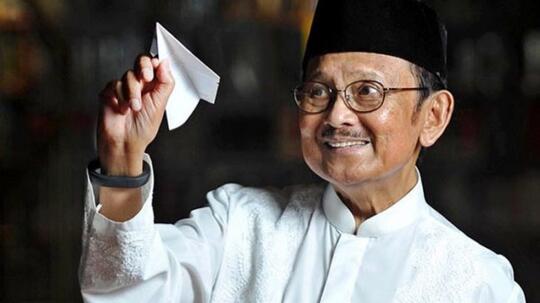 Intip Restoran Padang Favorit BJ Habibie dan Kuliner Favorit Beliau