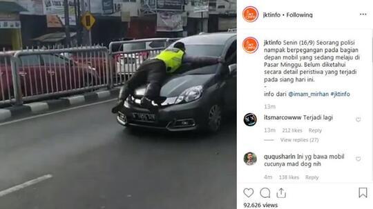 Terjadi Lagi, Polisi Nyangkut di Kap Mobil yang Diberhentikan