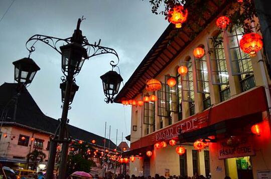 6 Pasar Tradisional Tempat Berburu Jajanan Pasar
