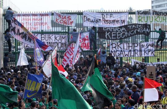 Selain Mahasiswa, Petani Juga Bakal Demo di DPR Tolak RUU Bermasalah