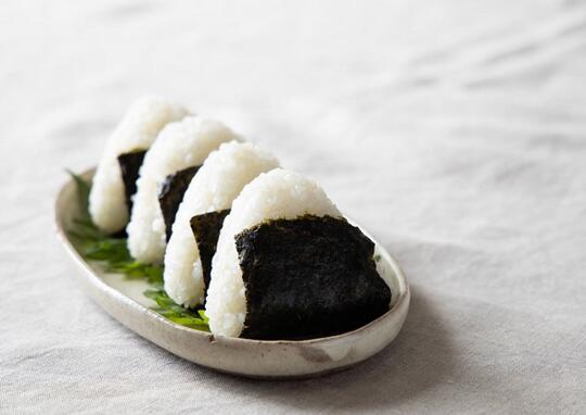 10 Isian Onigiri Terfavorit yang Harus Agan Coba Saat Traveling ke Jepang