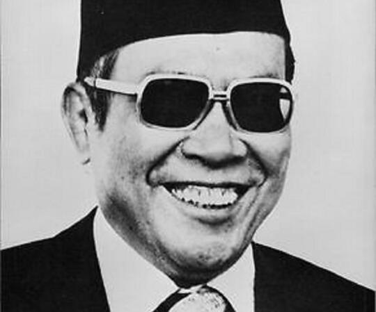 Raja Intel : mata dan teliga Suharto, riwayat Ali Murtopo