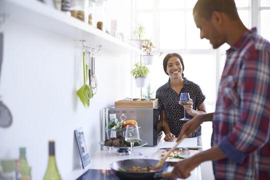 Walau Sederhana, Beberapa Hal Kecil Ini Membuat Pernikahan Tetap Langgeng