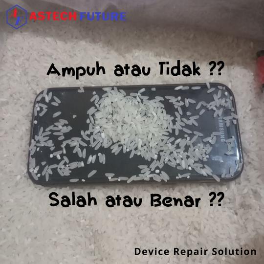 Simak!! Tips Sebenarnya Cara Mengatasi Handphone Terkena atau Terendam Air.