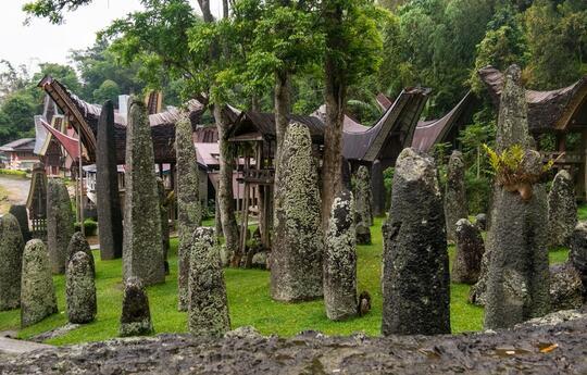 Gak Perlu Ke Inggris Buat Lihat Stonehenge, di Toraja Juga Ada Kok Gan!