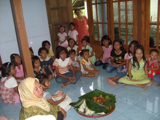 Tedhak Siten, Ritual Piton-Piton Adat Jawa yang Mulai Hilang
