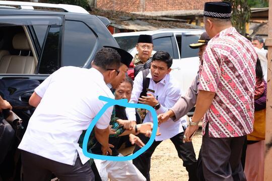 Viral! Video Detik-detik Wiranto Ditusuk Orang Tak Dikenal di Pandeglang