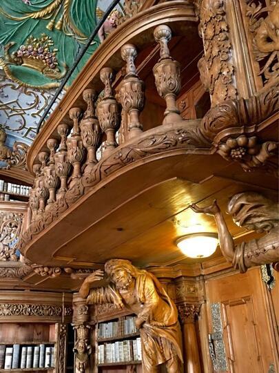 Perpustakaan Megah Seperti Istana di Negeri Dongeng Ini Nyata Adanya Gan!