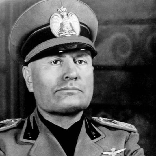 Benito Mussolini, Diktator Pembantai Ribuan Orang