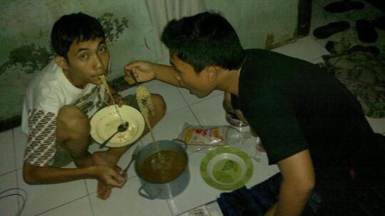 Mereka Yang Paling Menderita Andai Pabrik Mie Instant di Indonesia Tutup Selamanya