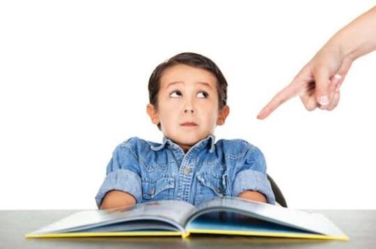 Fenomena Orang Tua yang Ingin Anaknya Juara Kelas