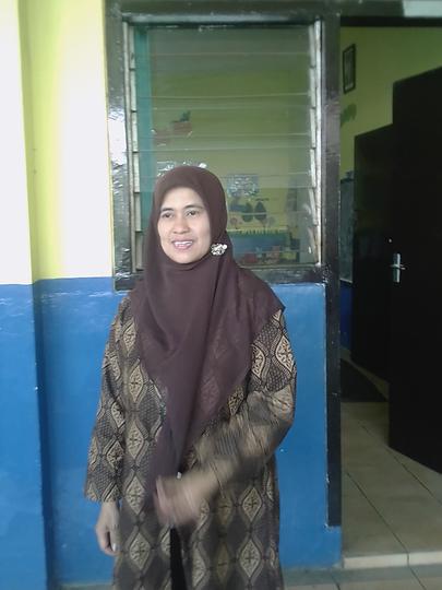 Ibu Azizah, Sosok Inspirasi Untuk Para Murid