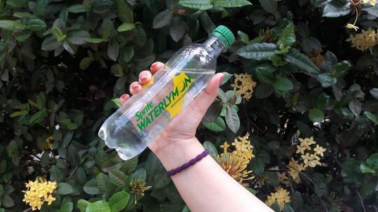 Nyobain Minuman Baru yang Lagi Heboh, Begini Review Jujur dari Ane