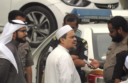 (WAWANCARA) Arab Saudi Klarifikasi Soal 'Keamanan HRS di Luar Saudi Tak Terjamin'