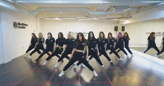 4-dance-cover-dari-group-k-pop-ini-gak-kalah-sama-aslinya