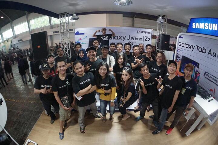 [FR] Samsung di Jakcloth Goes to Surabaya Edan Poll